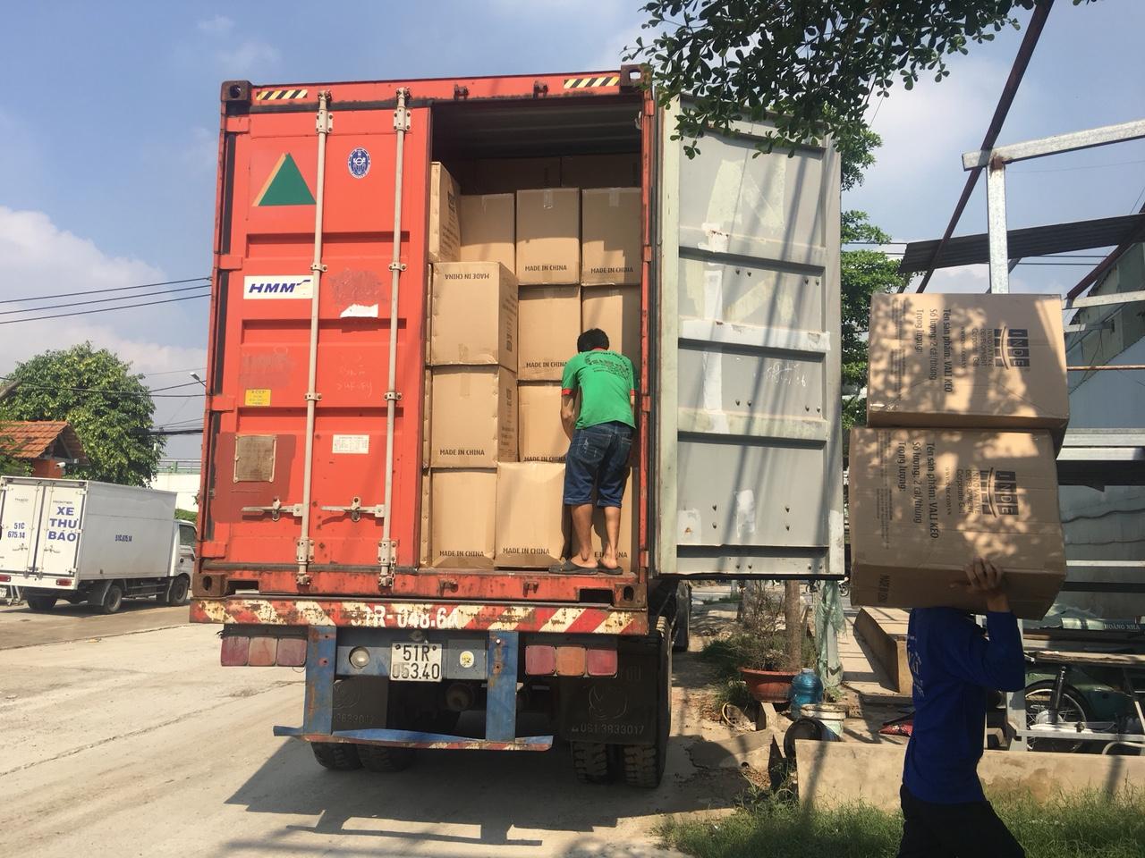Dịch vụ bốc xếp hàng hóa huyện Hóc Môn trọn gói giá rẻ uy tín